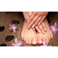 Bekijk de deal van Groupon: Pedicure of Manicure