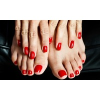 Bekijk de deal van Groupon: Centrum: pedicure of manicure
