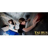 Bekijk de deal van Wowdeal: Prison Island en/of bowlen bij Taurus World of Adventure