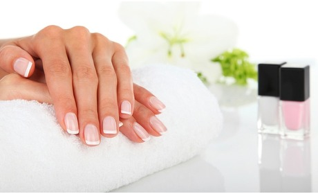 Groupon: Luxe manicure