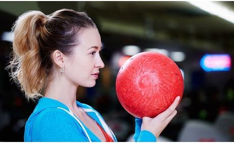 Groupon: Uur bowlen + hoofdgerecht (2 p.)