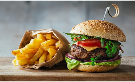 Social Deal: Burger naar keuze + friet bij Mister H.A.M.Burger