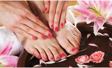 Social Deal: Gellak + mini-manicure en/of -pedicurebehandeling
