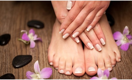 Groupon: Pedicure of Manicure