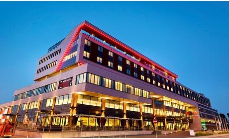 Groupon: Rotterdam: 2-persoonskamer met ontbijt in 4* hotel