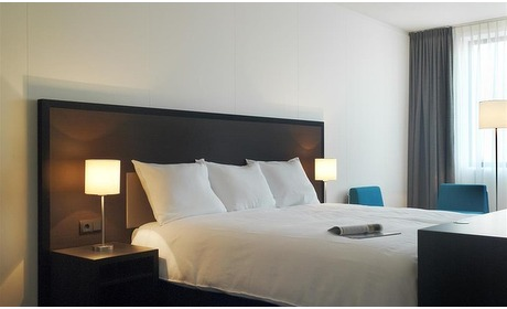 Groupon: Parkstad Limburg: twin 2-persoonskamer in hotel naast het stadion