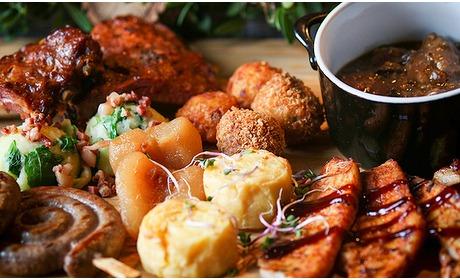 Social Deal: Dinerplateau + frietjes + salade bij Restaurant t Topke
