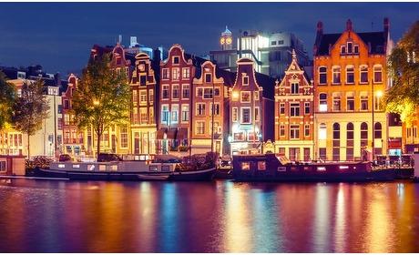 Groupon: Amsterdam: standaard twee- of vierpersoonskamer in 'de Pijp'