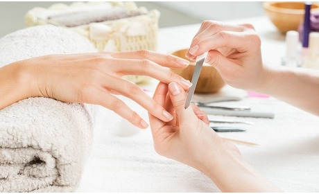 Groupon: Luxe manicure en/of luxe pedicure