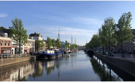 Groupon: Hartje Leeuwarden: deluxe kamer voor twee