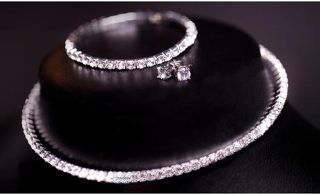 Groupon: Ketting, armband en oorbellen gemaakt met Swarovski-kristallen